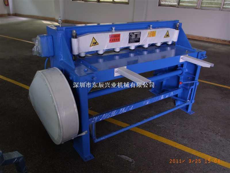 Q11-3x2500全钢结构电动剪板机