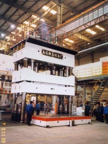 YQ28-1200/2000双动薄板拉深液压机